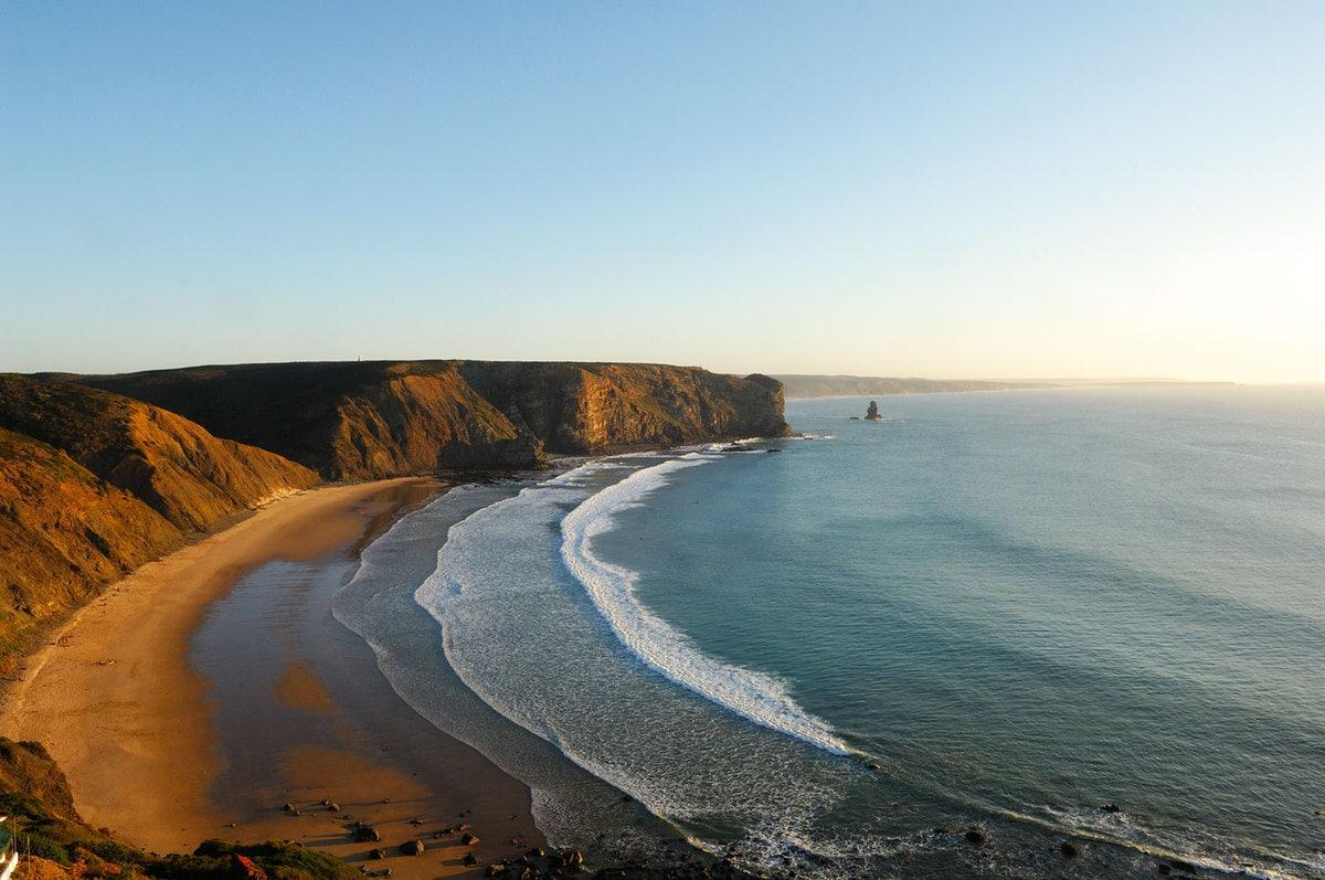 Melhores destinos de praia | Praia da Arrifana