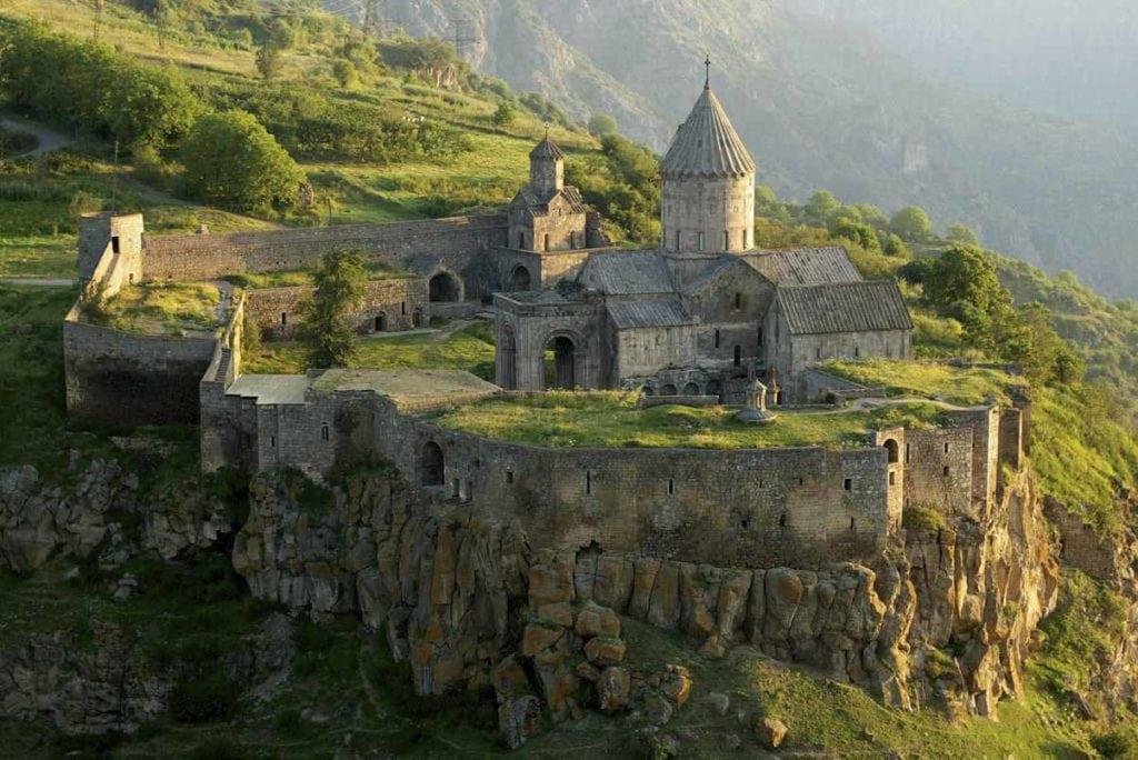 Mosteiro | viajar com pouco dinheiro