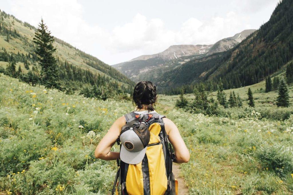 mulher seguro de viagem | viajar sozinha