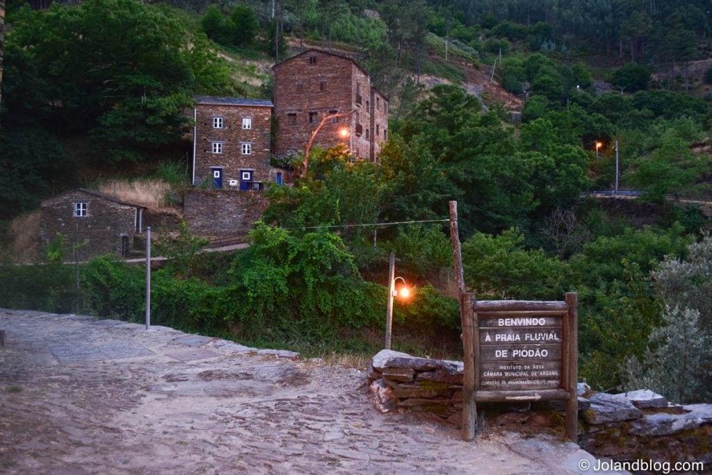 Aldeia de Piódão em Portugal