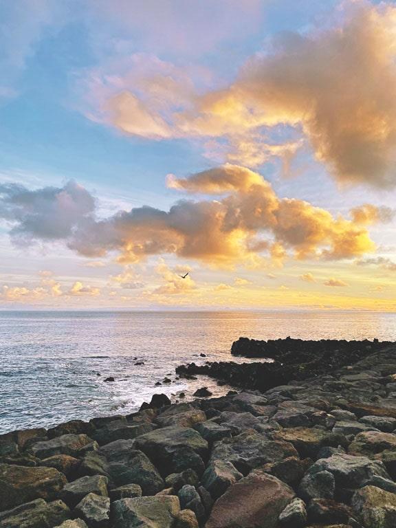 Vista sobre o mar na Ilha de São Miguel nos Açores