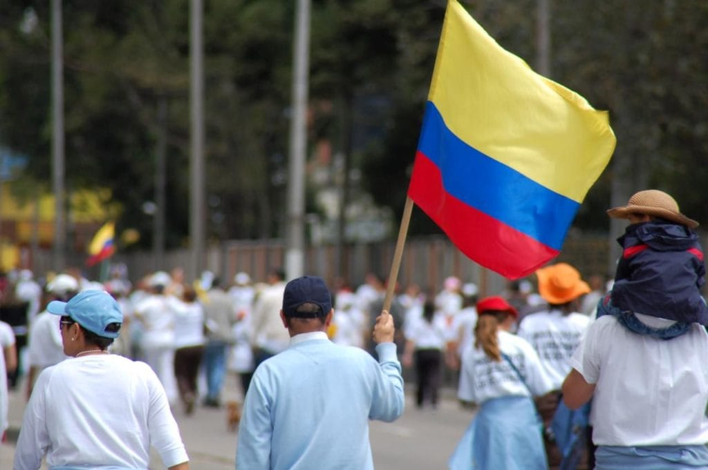 Manifestação na Colômbia contra FARC em 2008