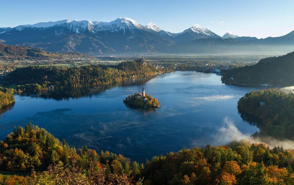 Lago Bled na Eslovénia, um dos destinos mais seguros para viajar sozinha