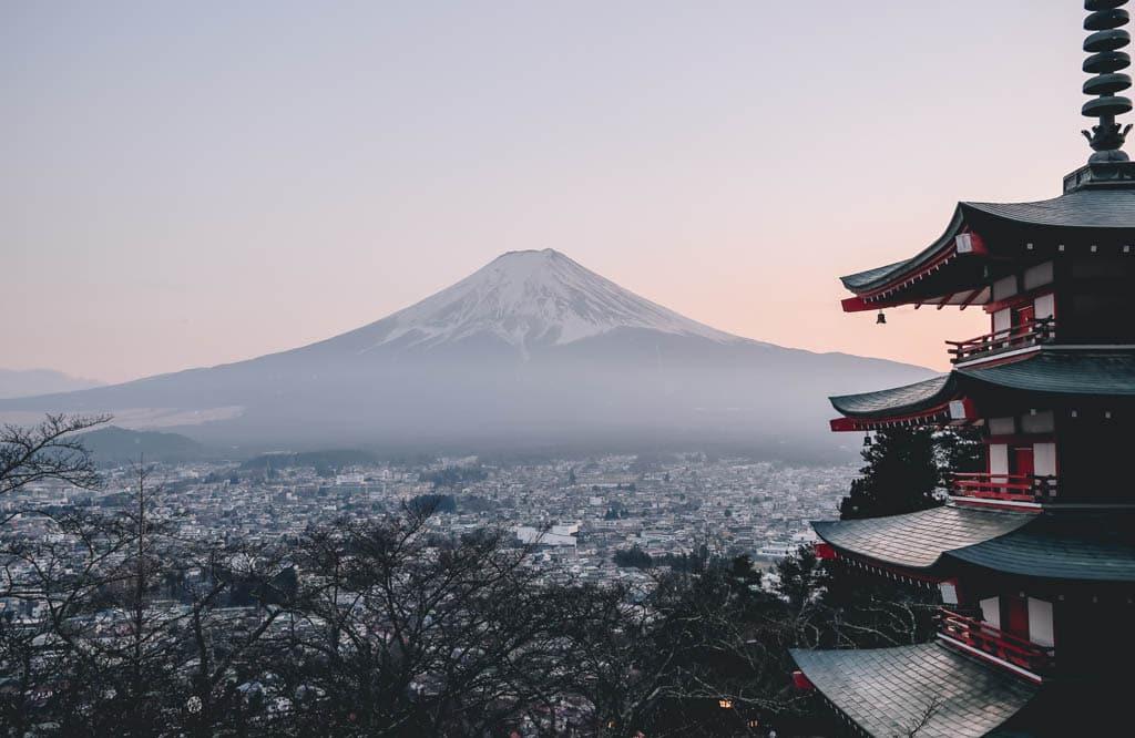 Paisagem no Japão, um dos destinos mais seguros para viajar sozinha