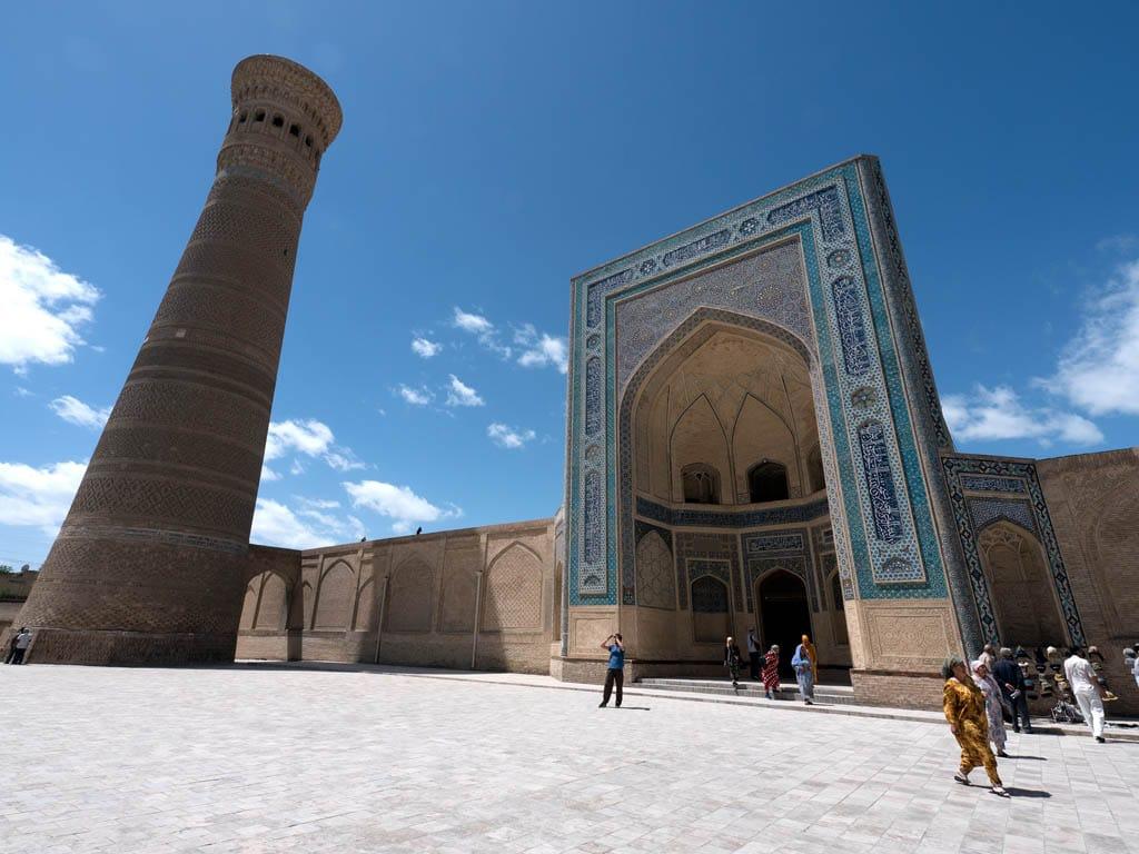 Mesquita no Uzbequistão, um dos destinos mais seguros para viajar sozinha