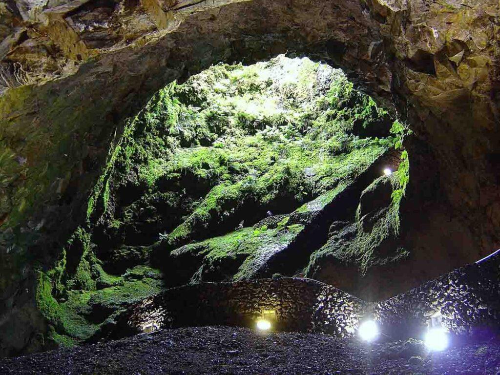 Algar do Carvão, Ilha Terceira | Locais a não perder nos Açores