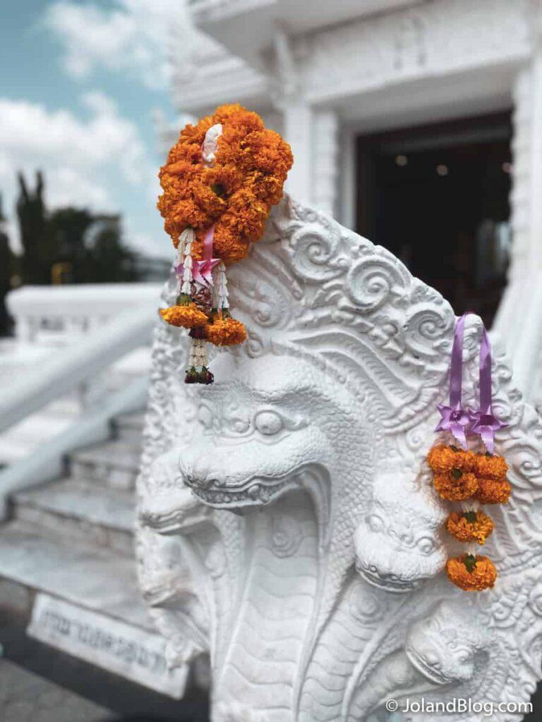 Pormenor de templo em Nakhon Si Thammarat - Roteiro de Viagem pelo Sul da Tailândia