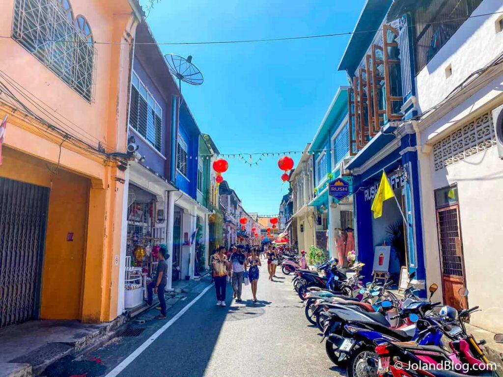 Rua na Old Town de Phuket - Roteiro de Viagem pelo Sul da Tailândia