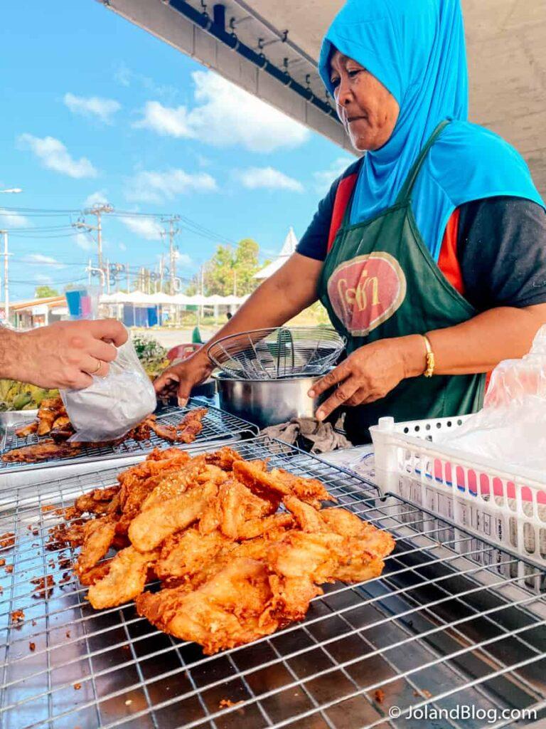 Banca de comida de rua em Phuket