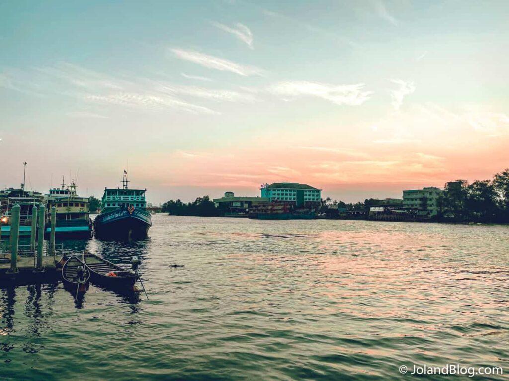Fim de tarde em Surat Thani - Roteiro de Viagem pelo Sul da Tailândia