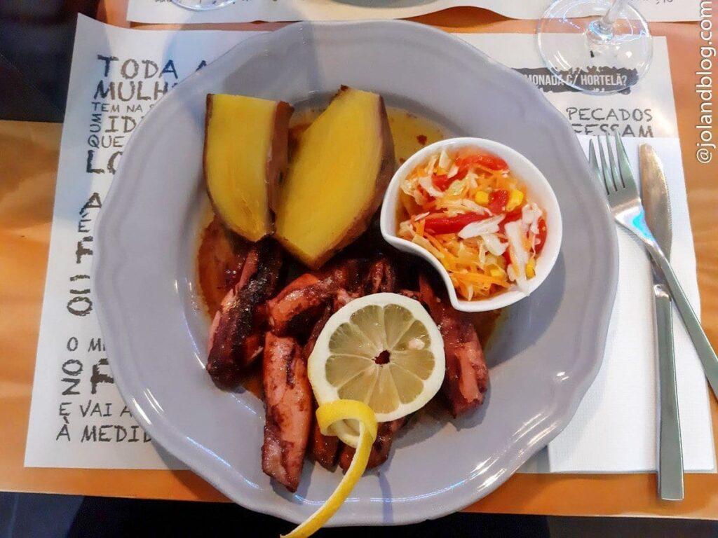Stewed squid at Caffe Cinq, Pico Island