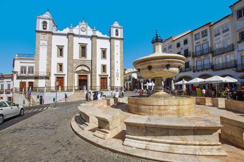 Praça do Giraldo, Évora | Escapadinha pelo Alentejo
